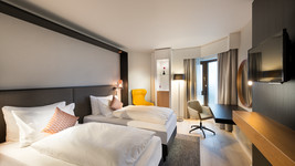 Crowne Plaza Duesseldorf Neuss twin bed room