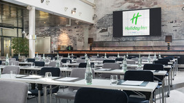 Holiday Inn Berlin City West atrium meetings