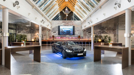 Holiday Inn Berlin City West atrium events with car