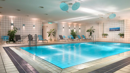 Holiday Inn Berlin City West swimming pool