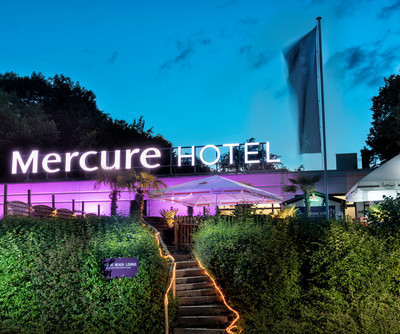 Mercure Hotel Bielefeld Exterior night time