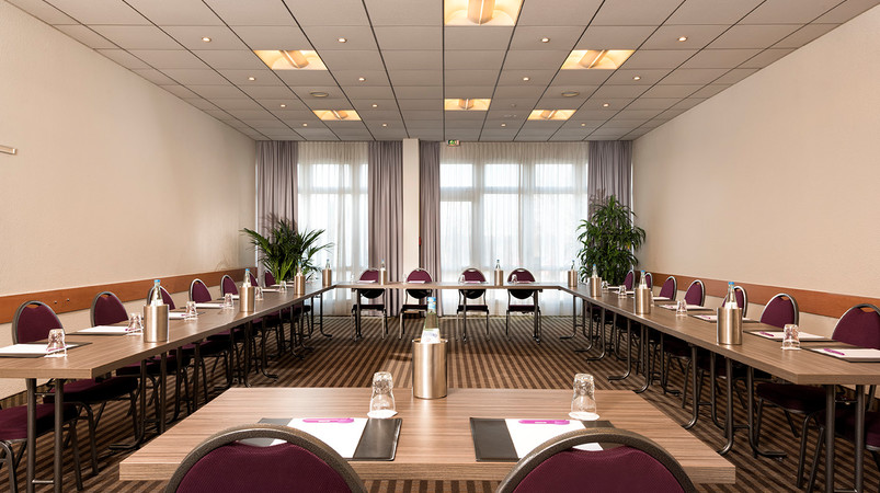Mercure Hotel Duesseldorf Airport meeting room Ulme