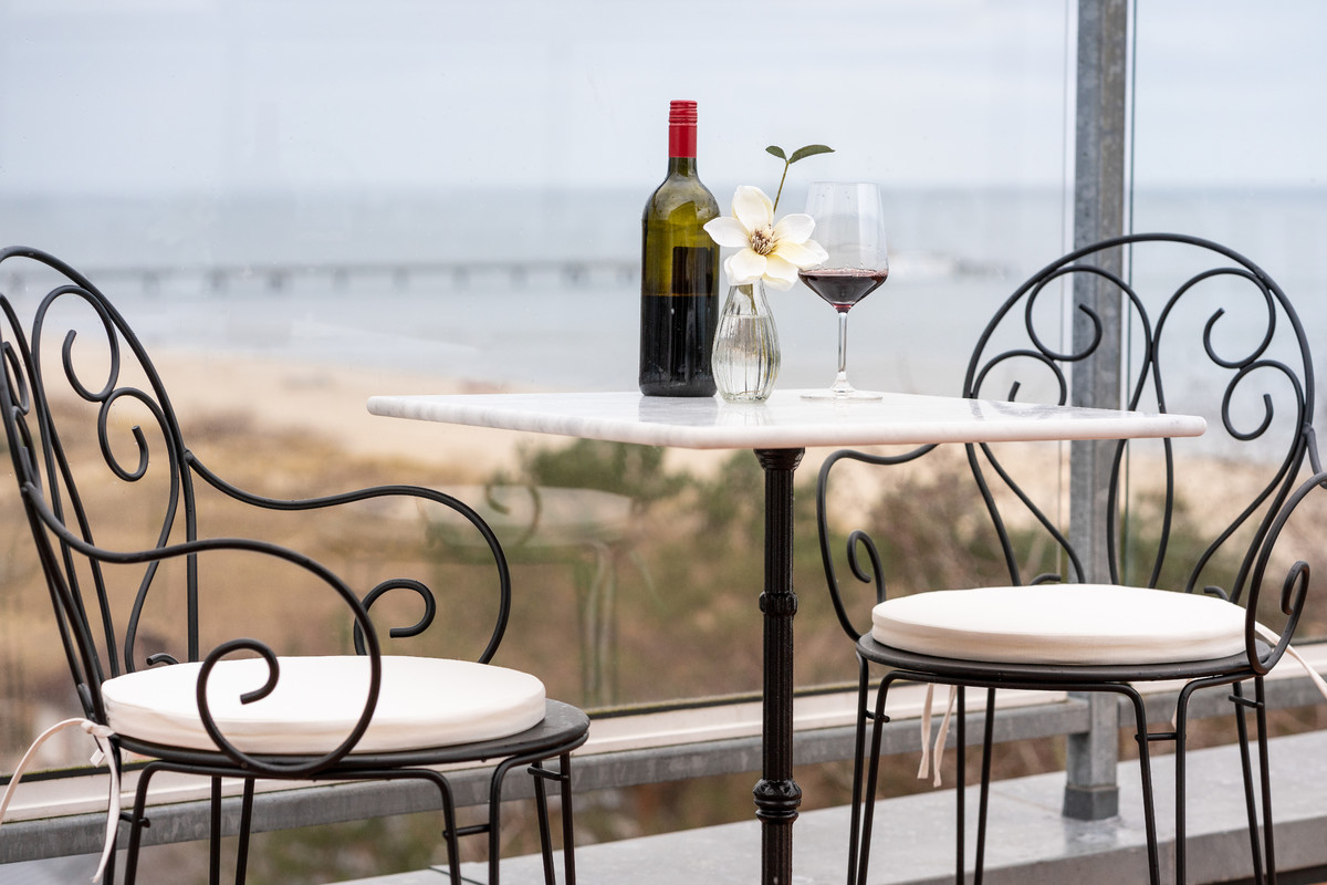 PRIME Restaurant Ahlbeck table for two with wine | © Strandhotel Ahlbeck