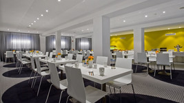 Breakfast restaurant Tryp by Wyndham Frankfurt
