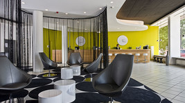 Lobby and reception Tryp by Wyndham Frankfurt