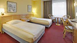 Tryp by Wyndham Koeln City Centre Twin Bed Room